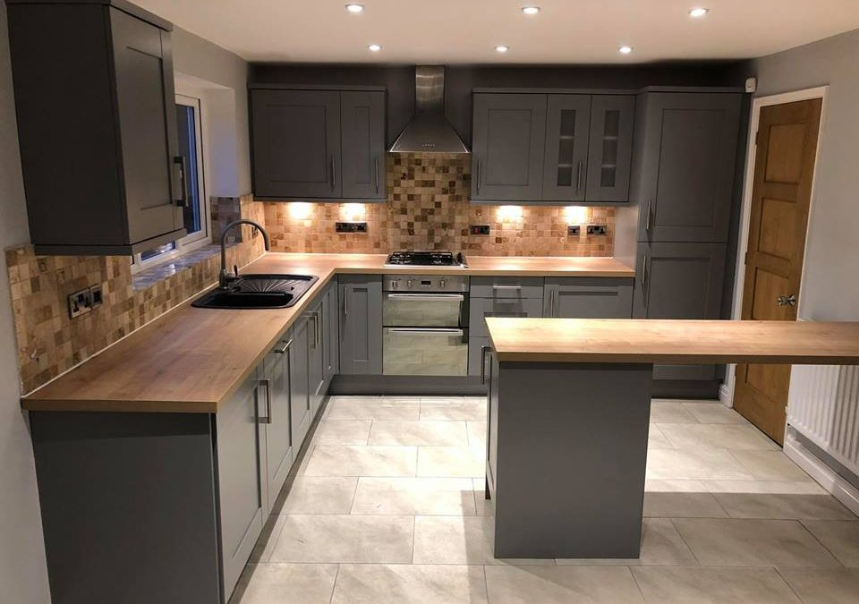 Spray Paint Kitchen Huddersfield, Is It Easy To Spray Paint Kitchen Cabinets