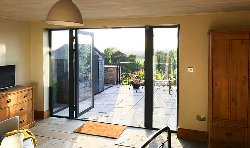 Can bi-fold doors be spray painted
