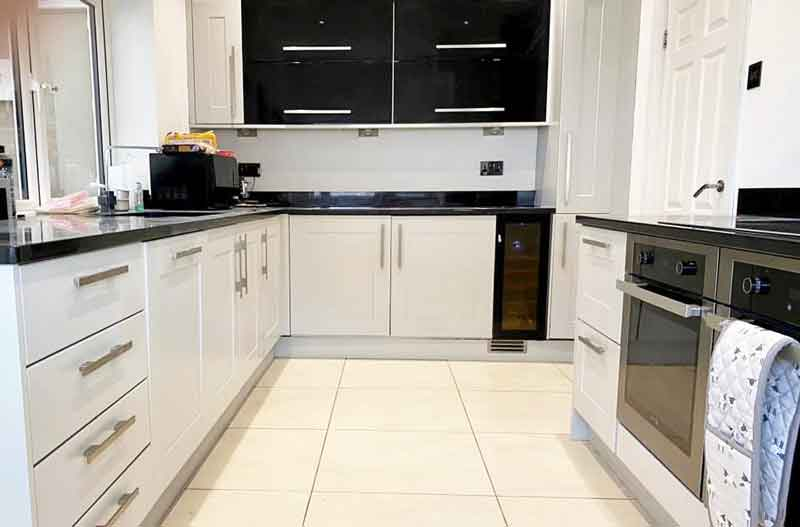 Best Spray Paint On Kitchen Cabinets, How To Paint Kitchen Cabinets White With A Sprayer